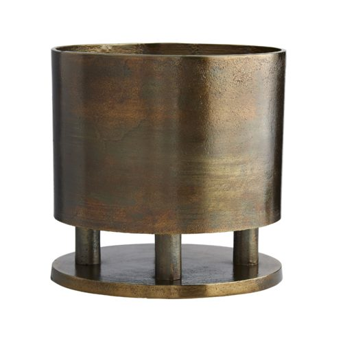 Plants add so much to an interior. The Japanese Cachepot provides the perfect vessel to feature a fern, orchid or any plant. Inspired by JapaneseBronzes, the vessel is featured on three cylindrical stems allowing the vessel and plant to be featured beautifully atop a table or surface.